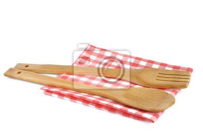 Drewniane naczynia do gotowania na białym tle