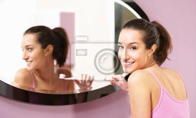 Naklejka dziewczyna czyszczenia zębów