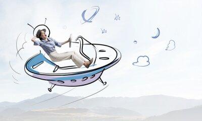 Naklejka Dziewczyna latania w kosmicznym