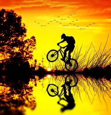 Naklejka en el campo ciclista