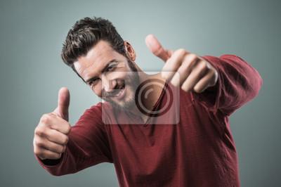 Fajny facet kciuki w górę