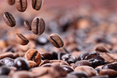 Naklejka Fallender Kaffee