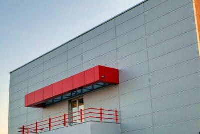 Fasady aluminiowej na budynku mieszkalnym