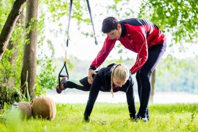 Naklejka Fitness i sport - para podejmowania Slingtraining