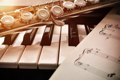 Naklejka Fortepian i flet ze złotym połyskiem i Nuty przodu