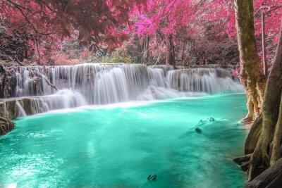 Naklejka Głębokie lasu wodospad w Kanchanaburi
