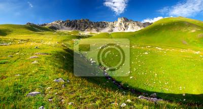 Naklejka Góra w okresie letnim. Piękny krajobraz