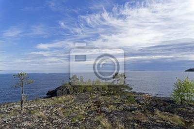 Naklejka Granitowa peleryna na brzegu jeziora Ladoga.