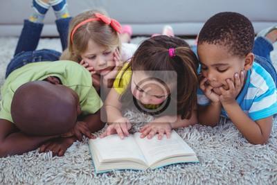 Naklejka Happy Kids czyta książkę razem