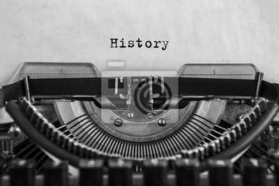 Naklejka Historia wpisała się w starą maszynę do pisania, stary papier. zbliżenie