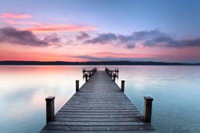 Naklejka Jesienią rano na samotnej jeziora