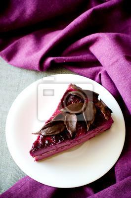 Naklejka kawałek ciasta fioletowy suflet czarnej porzeczki