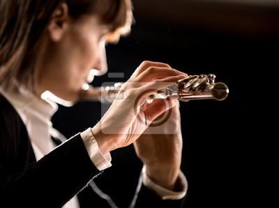 Kobieta flecista jego efektywności