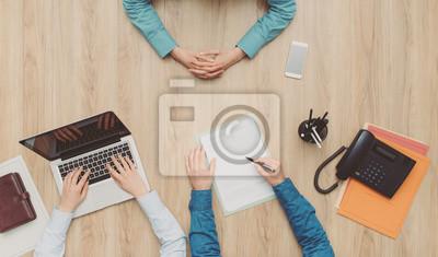 Kobieta o spotkanie biznesowe