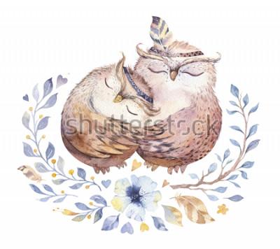 Naklejka Kocham Cię. Urocza akwareli ilustracja z słodkimi sowami, sercami i kwiatami w wspaniałych kolorach. Oszałamiająca romantyczna karta walentynkowa wykonana w technice akwareli. Jasny Walentynki na biał