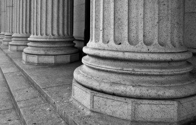 Naklejka Kolumny architektoniczne na portyku budynku federalnego w Ne