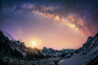 Naklejka Kopuła Drogi Mlecznej pod głównym grzbietem Himalajów.