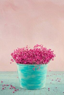 Naklejka Kwiaty oddech dziecka w niebieskim wazonie