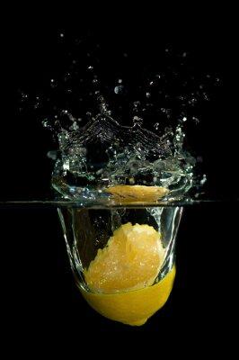 Naklejka Lemon w wodzie