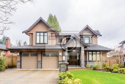 Naklejka Luxury house in Vancouver, Canada.