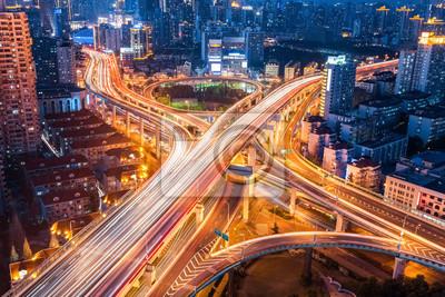 Naklejka Miasto Interchange bliska, w nocy