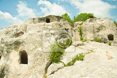 Miasto jaskinia w górach na Krymie, na Ukrainie