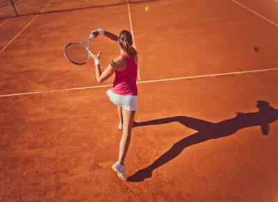 Naklejka Młoda kobieta w tennis.High kąt view.Forehand.