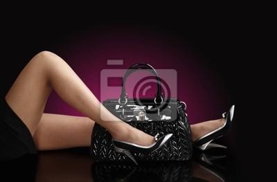 modnej kobieta z czarną torbę, fotografia mody