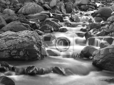 Naklejka Monochromatyczne rzeki i wodospady