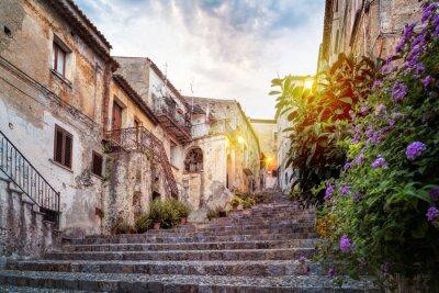 Naklejka Mystic aleja w starym mieście włoskiego