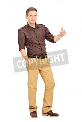 Naklejka Na co dzień człowiek oparty o ścianę i daje kciuk w górę na białym tle