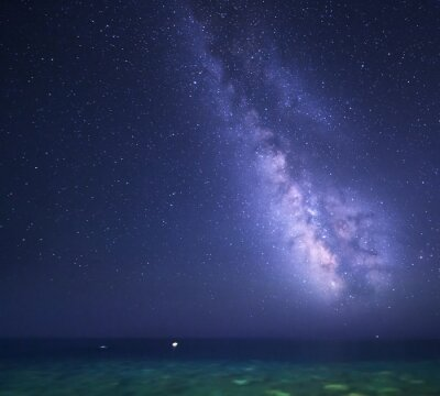 Naklejka Noc gwiaździste niebo z Drogi Mlecznej na morzu. Charakter tła.