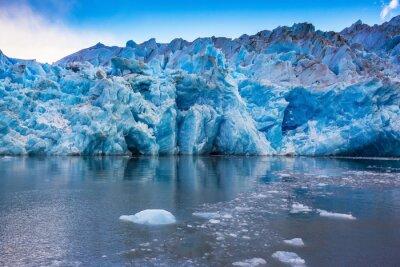 Naklejka Olbrzymie góry lodowej i kry