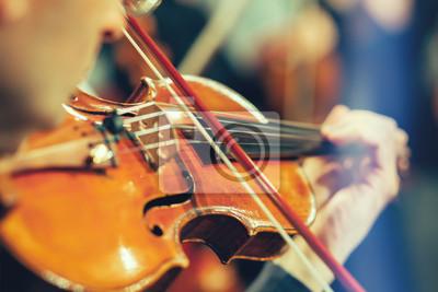 Naklejka Orkiestra symfoniczna na scenie, rąk gra na skrzypcach