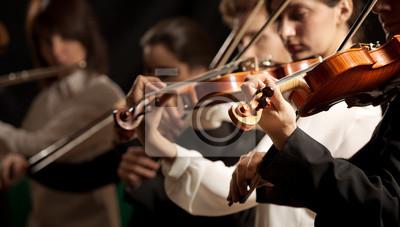 Orkiestra Symfoniczna skrzypków wykonujących