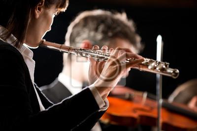 Orkiestra symfoniczna wydajność: flecista zbliżenie