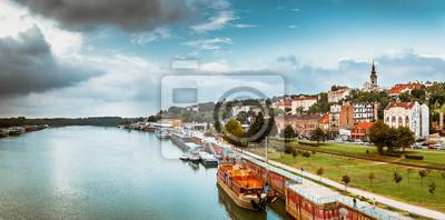 Naklejka Panorama Belgradu z Sawy. odcienia koloru dostrojony