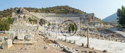 Naklejka Panorama Efezu z jego amfiteatrem - Turcja