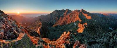 Naklejka Panorama górska krajobraz jesienią