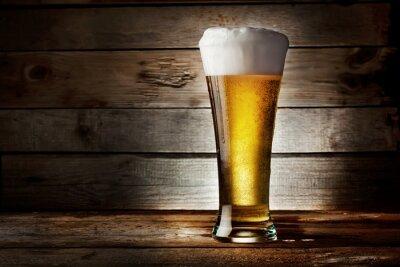 Naklejka Piana z piwa lager
