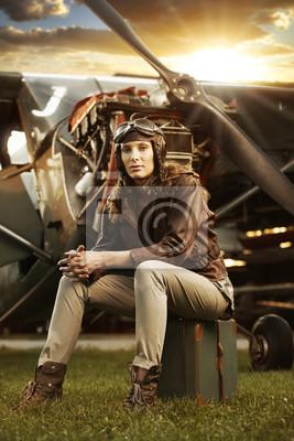 Piękna kobieta pilot: vintage photo