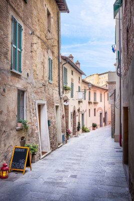 Naklejka Piękna ulica Montepulciano, Toskania