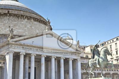 Piękny widok na Piazza del Plebiscito w Neapolu