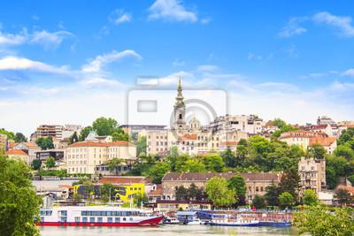 Naklejka Piękny widok na zabytkowe centrum Belgradu nad brzegiem rzeki Sawy w Serbii