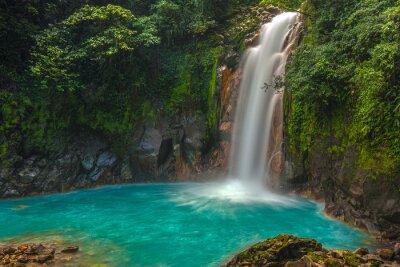 Naklejka Piękny wodospad w Rio Celeste