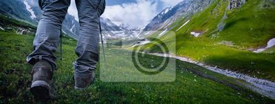 Naklejka Piesze wędrówki w górach