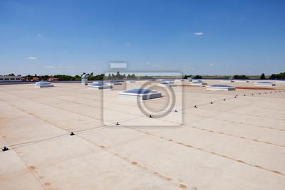 płaski dach na hali przemysłowej