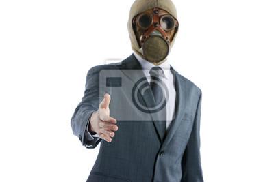 Portret biznesmen w ofercie maski gazowe do uzgadniania