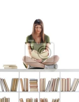 Portret Kobieta Student, poczytać książkę na bibliotece. Podobne zdjęcia o