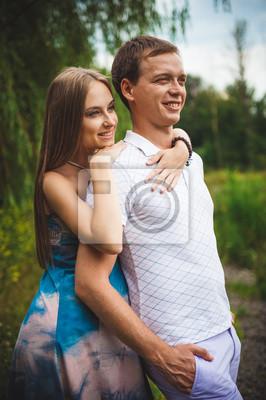 Naklejka Pregnant Para na park